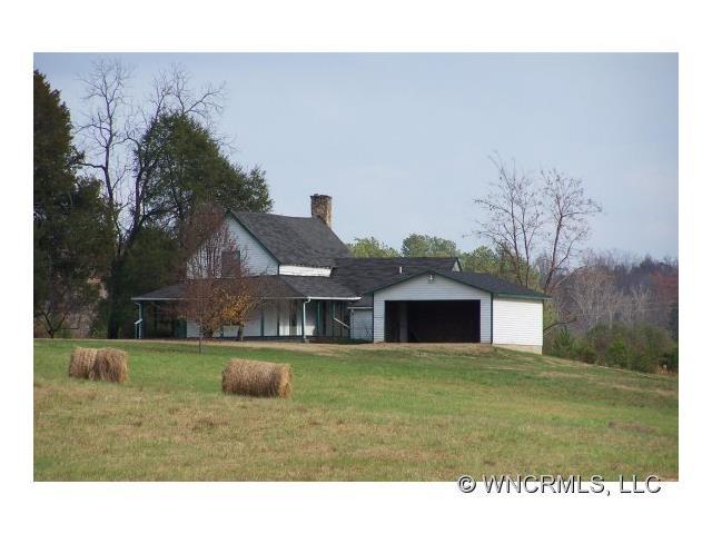 200 Bill Helton Rd, Mill Spring, NC 28756