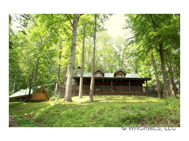 200 acres Hot Springs, NC