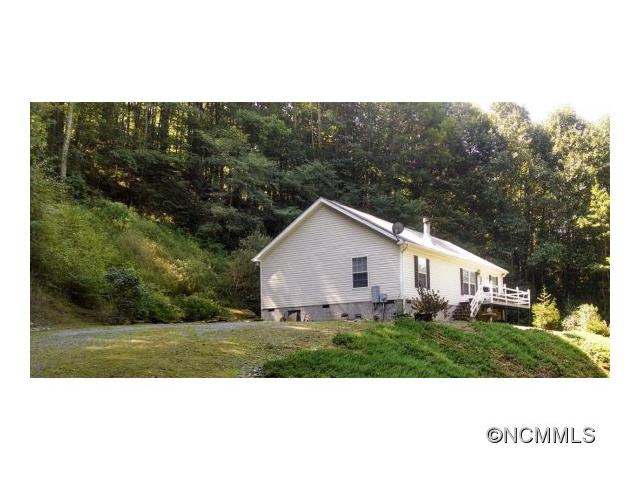 370 Fox Cove Rd, Mars Hill, NC 28754
