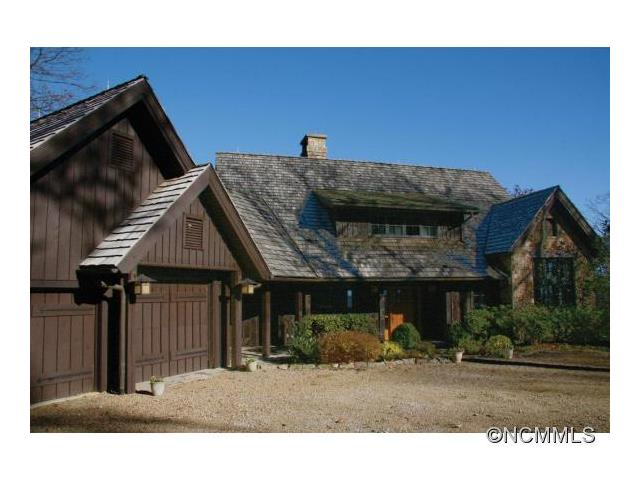 1035 Toxaway Dr, Lake Toxaway, NC 28747