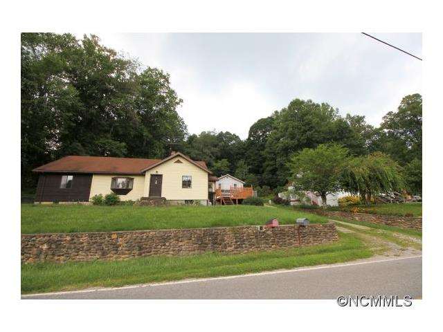 241 Hookers Gap Rd, Candler, NC 28715