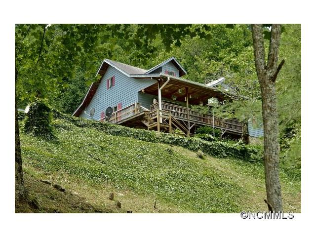 378 Howard Moore Rd, Hot Springs, NC 28743