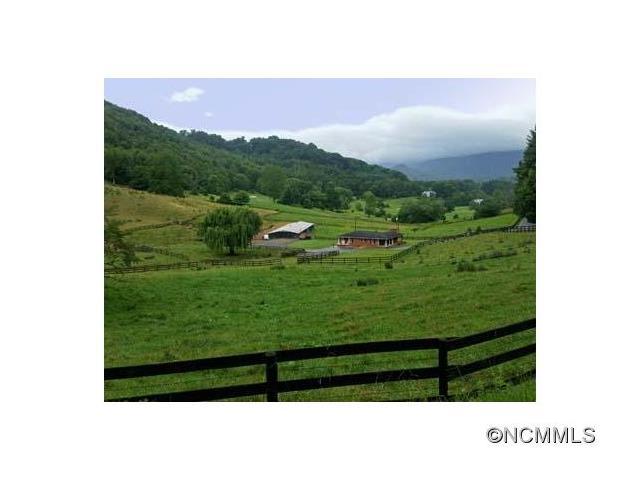 42.7 acres Waynesville, NC