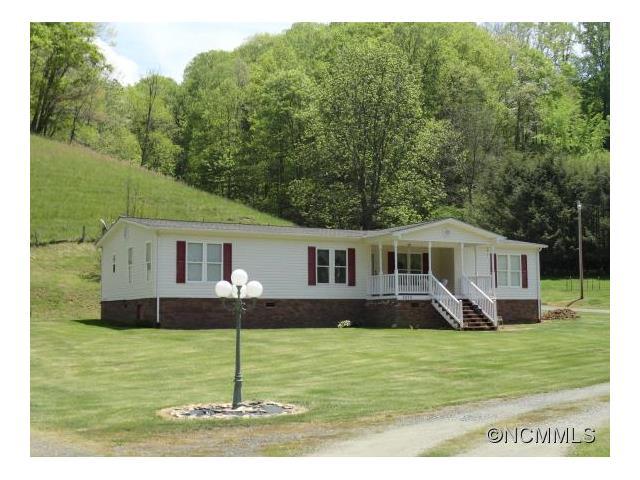 3177 Big Brush Creek Rd, Green Mountain, NC 28740