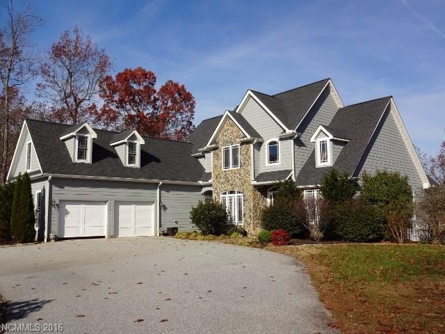 680 Highland View Ln, Mill Spring, NC 28756