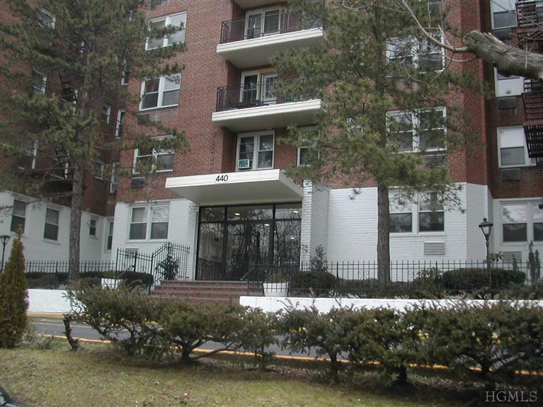 Rental Homes for Rent, ListingId:21288908, location: 440 Warburton Ave Yonkers 10701