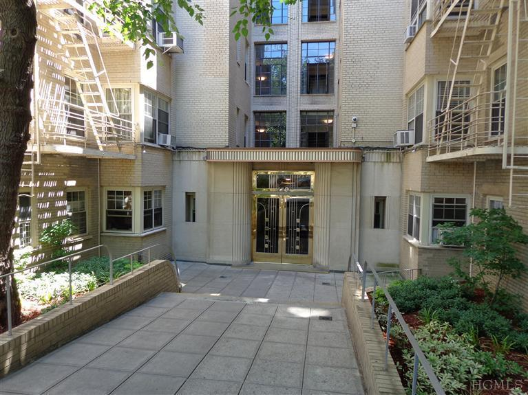 720 Fort Washington Ave # Unit: 4w, New York, NY 10040