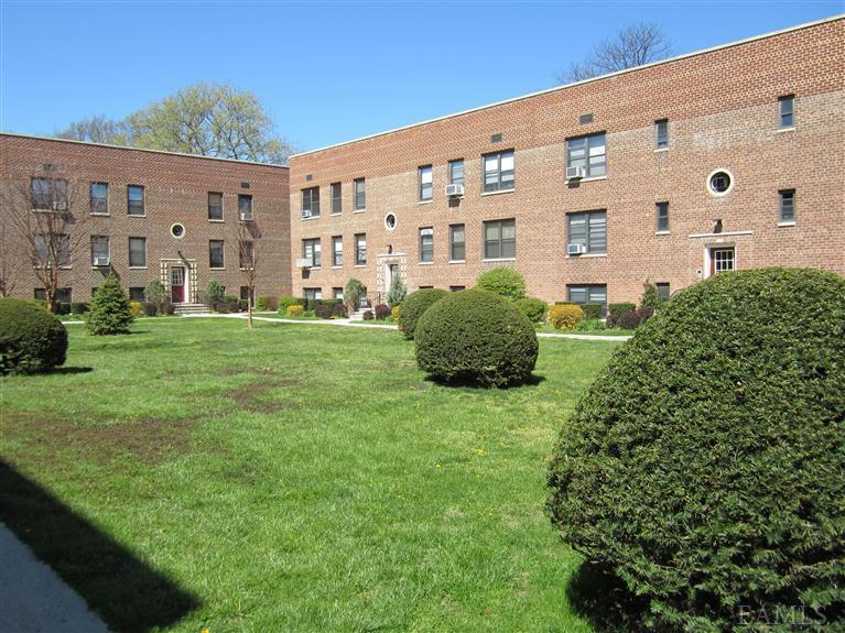 Rental Homes for Rent, ListingId:23131524, location: 308 Richbell Rd Mamaroneck 10543