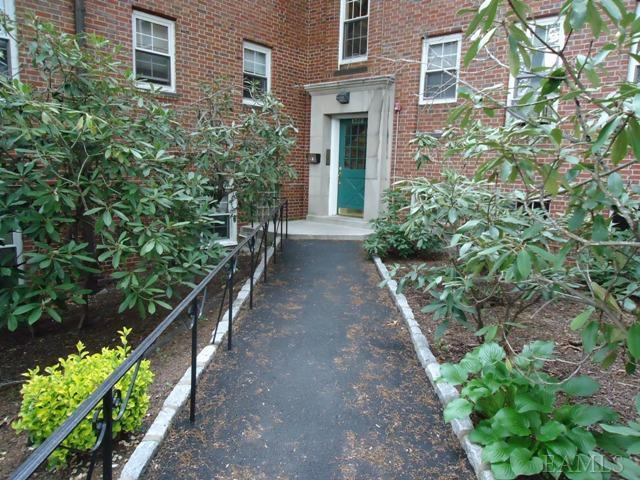 Rental Homes for Rent, ListingId:23331418, location: 1328 Midland Ave Bronxville 10708
