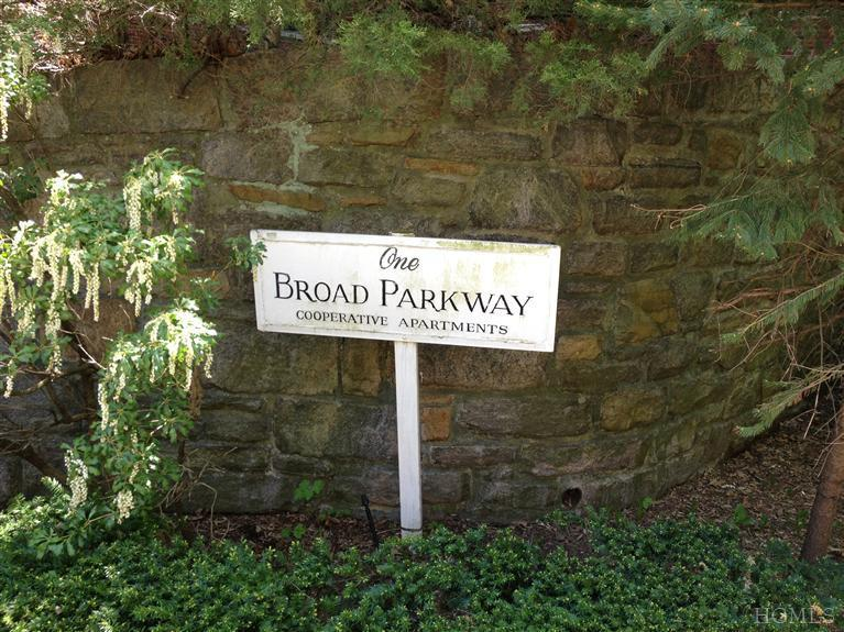 Rental Homes for Rent, ListingId:23432774, location: 1 Broad Pkwy White Plains 10601