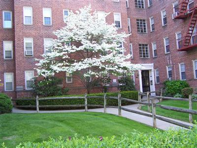 Rental Homes for Rent, ListingId:23486204, location: 766 Bronx River Rd Bronxville 10708
