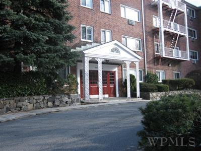Rental Homes for Rent, ListingId:23622819, location: 828 Pelhamdale Ave New Rochelle 10801
