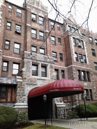 Rental Homes for Rent, ListingId:23606287, location: 23 Old Mamaroneck Rd White Plains 10605
