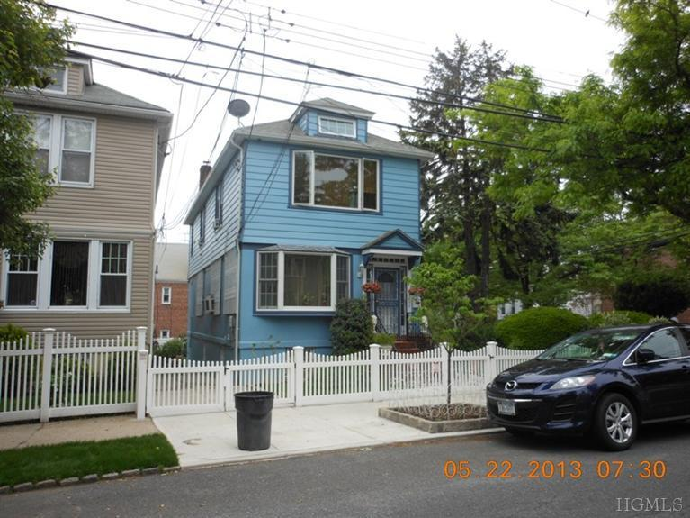Rental Homes for Rent, ListingId:23679435, location: 1824 Bussing Ave Bronx 10466