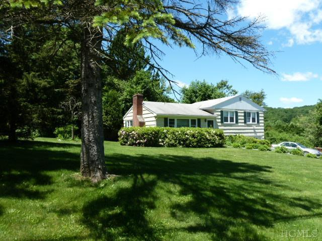 2 Kelly Ridge Rd, Carmel, NY 10512
