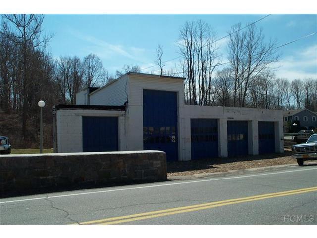 2 Peekskill Hollow Rd, Putnam Valley, NY 10579