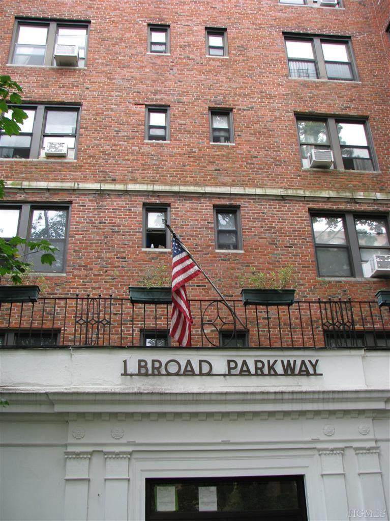 Rental Homes for Rent, ListingId:23984532, location: 1 Broad Pkwy White Plains 10601