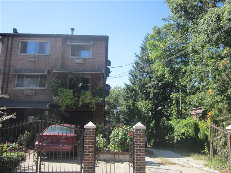 Rental Homes for Rent, ListingId:25532241, location: 2205 Hunter Ave Bronx 10475