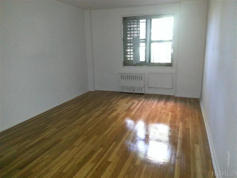 Rental Homes for Rent, ListingId:25879987, location: 1100 Warburton Ave Yonkers 10701