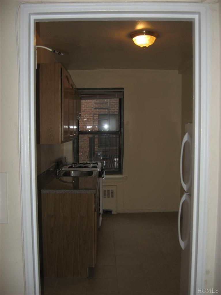 Rental Homes for Rent, ListingId:25893342, location: 59 Old Mamaroneck Rd White Plains 10605