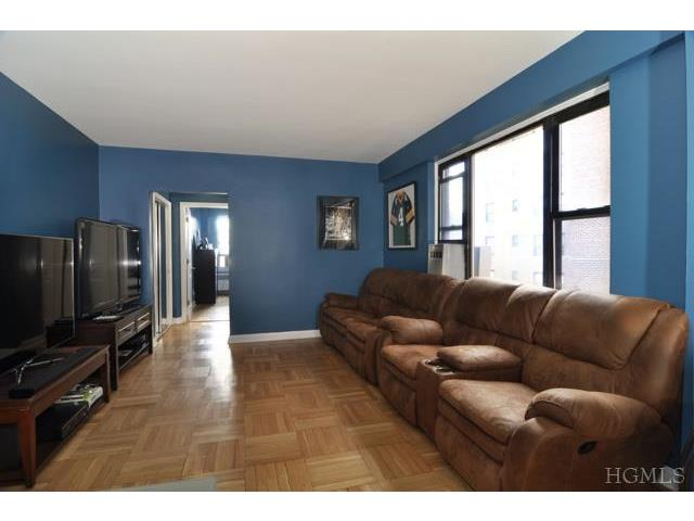 Rental Homes for Rent, ListingId:25945281, location: 220 Pelham Rd New Rochelle 10805