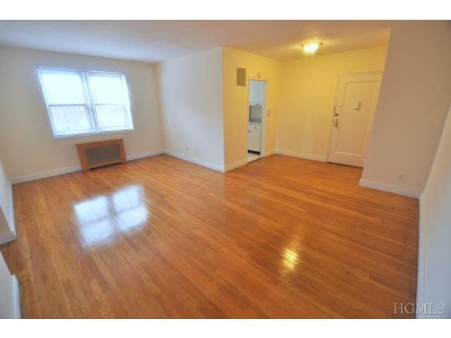 Rental Homes for Rent, ListingId:26067295, location: 4782 Boston Post Rd Pelham 10803