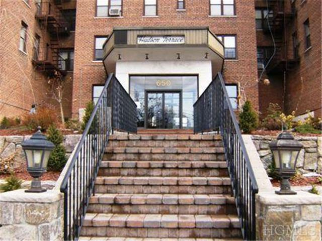 Rental Homes for Rent, ListingId:26382597, location: 678 Warburton Ave Yonkers 10701