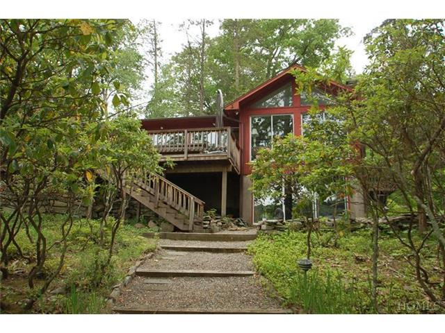 Rental Homes for Rent, ListingId:26975250, location: 40 Perch Bay Rd Waccabuc 10597