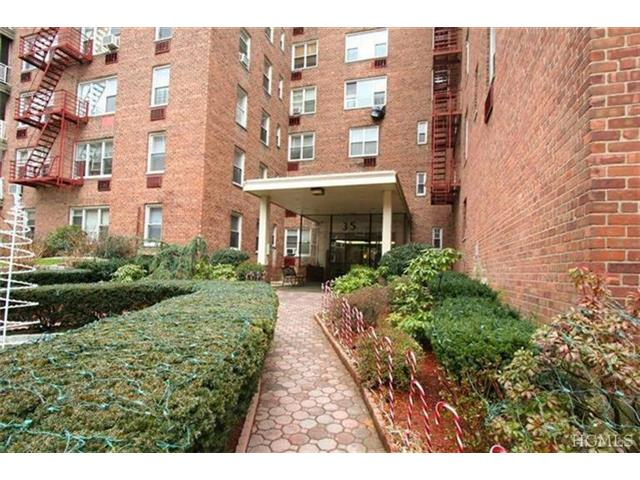 Rental Homes for Rent, ListingId:26741231, location: 35 East Hartsdale Ave Hartsdale 10530
