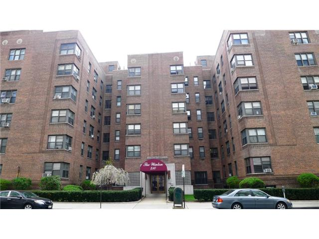 Rental Homes for Rent, ListingId:27067569, location: 210 Martine Avenue White Plains 10601