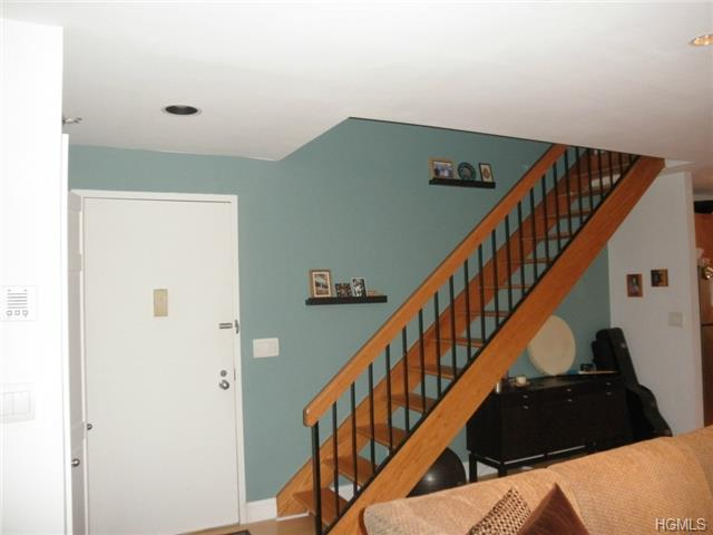 Rental Homes for Rent, ListingId:27456698, location: 6106 Villa At The Woods Peekskill 10566