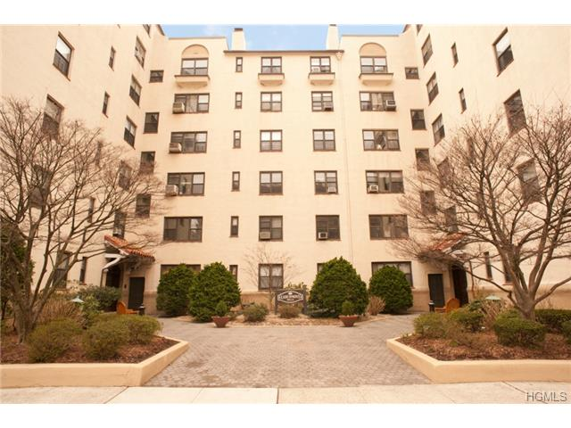 Rental Homes for Rent, ListingId:27530560, location: 17 North Chatsworth Avenue Larchmont 10538