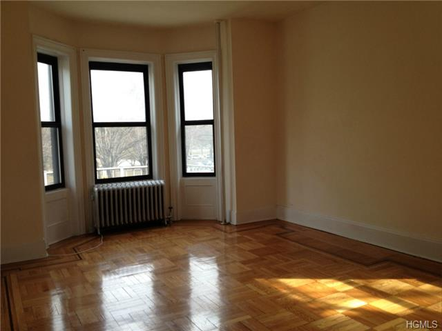 Rental Homes for Rent, ListingId:27746630, location: 214 East Moshulo Parkway Bronx 10458