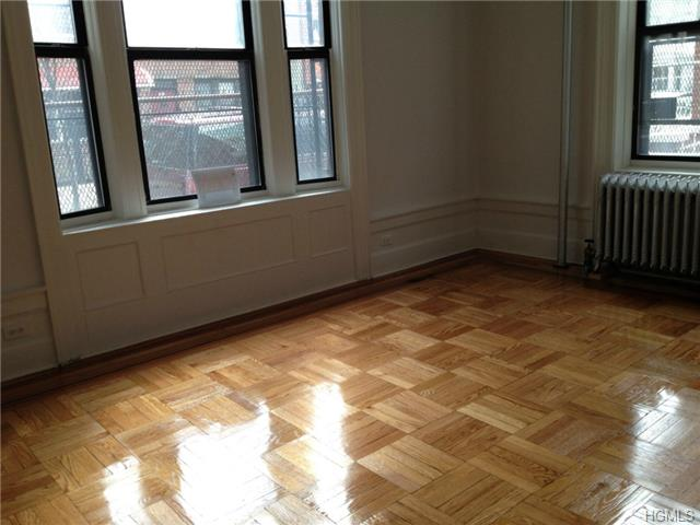 Rental Homes for Rent, ListingId:27746631, location: 214 East Moshulo Parkway Bronx 10458