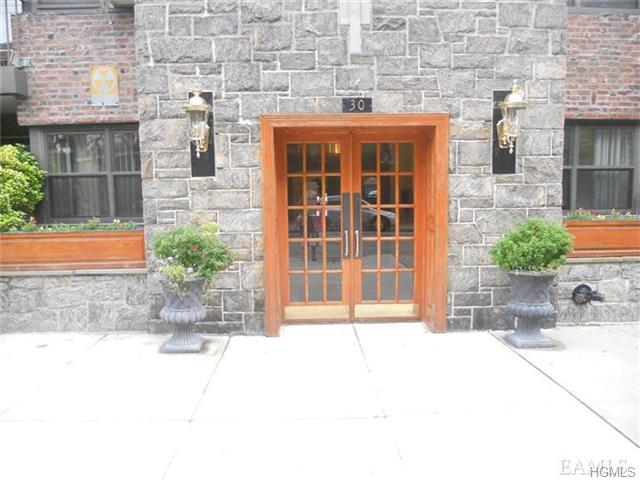 Rental Homes for Rent, ListingId:28731621, location: 30 Clinton Place New Rochelle 10801