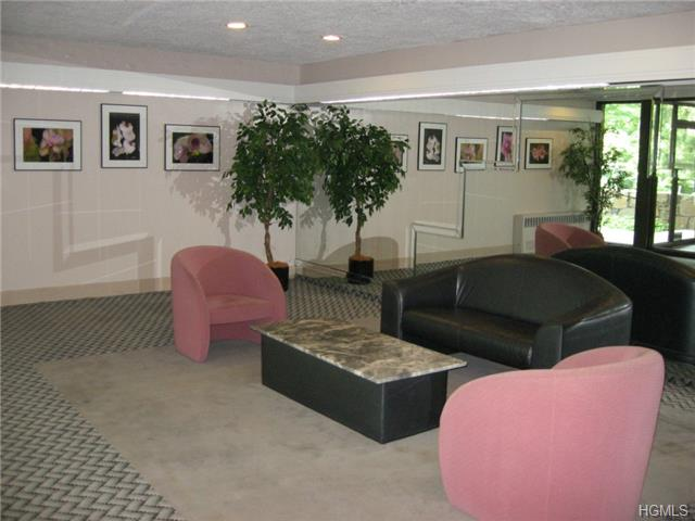 Rental Homes for Rent, ListingId:28755830, location: 372 Central Park Avenue Scarsdale 10583