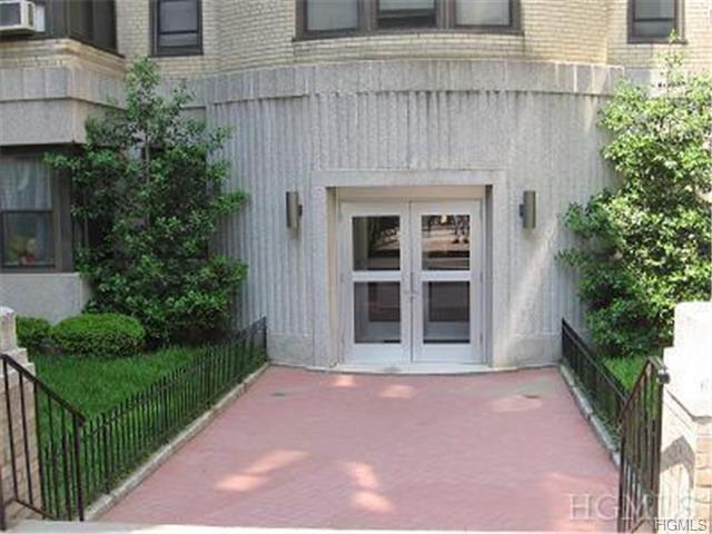 Rental Homes for Rent, ListingId:28925635, location: 2 North Broadway White Plains 10601