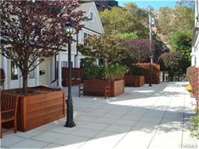 Rental Homes for Rent, ListingId:29050165, location: 526 Pelham Road New Rochelle 10805