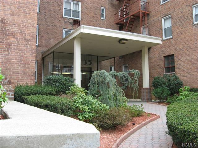 Rental Homes for Rent, ListingId:29211160, location: 35 East Hartsdale Avenue Hartsdale 10530