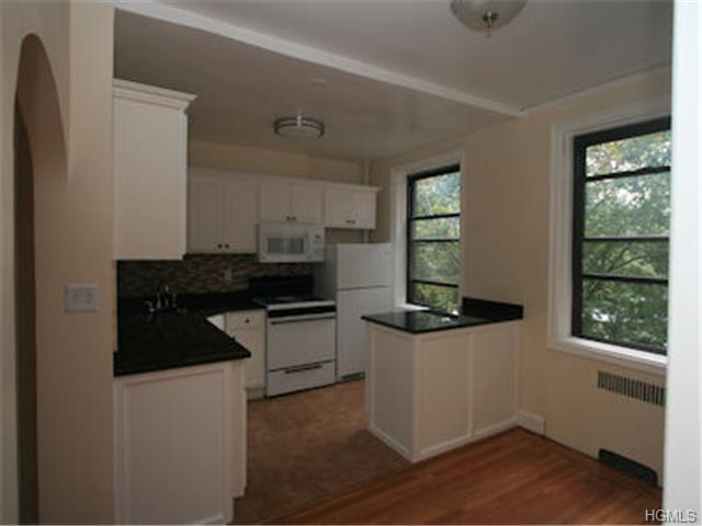 Rental Homes for Rent, ListingId:29331534, location: 325C C Larchmont Acrest West Larchmont 10538