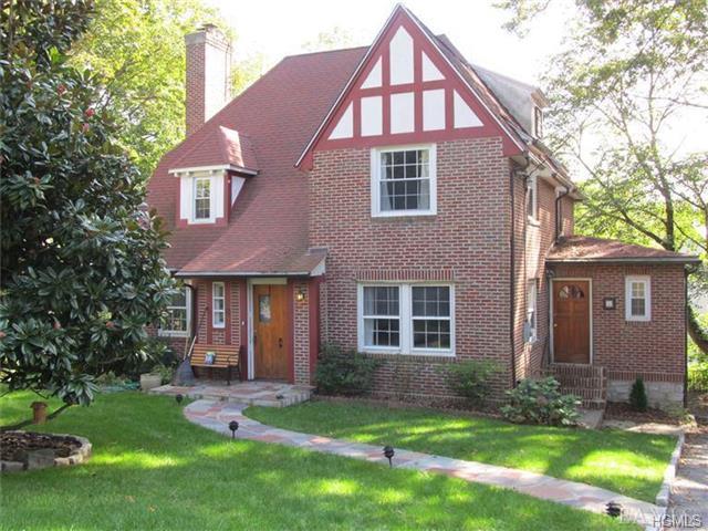 Rental Homes for Rent, ListingId:29399433, location: 8 Ridgecrest East Scarsdale 10583