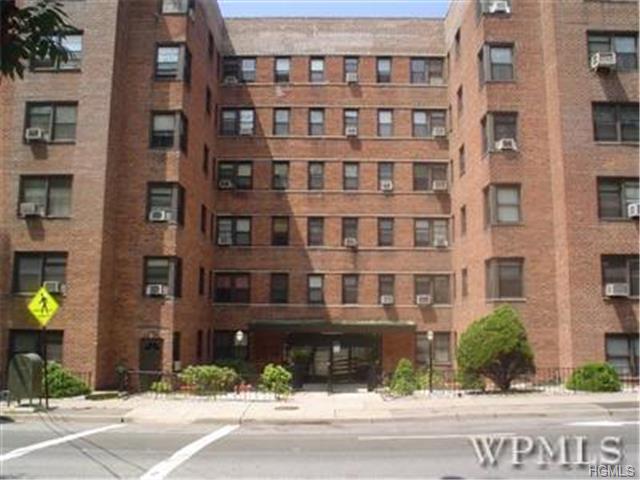 Rental Homes for Rent, ListingId:29567338, location: 140 East Hartsdale Avenue Hartsdale 10530