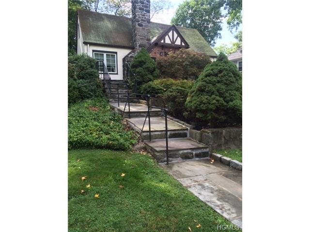 Rental Homes for Rent, ListingId:29550088, location: 79 Myrtle Boulevard Larchmont 10538