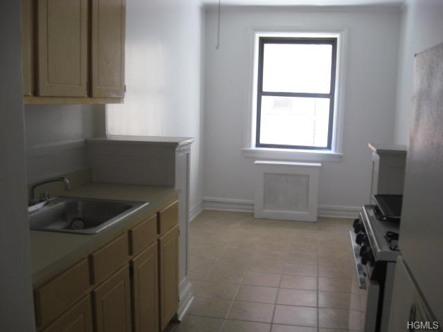 Rental Homes for Rent, ListingId:30161759, location: 45 Mitchell Place White Plains 10601