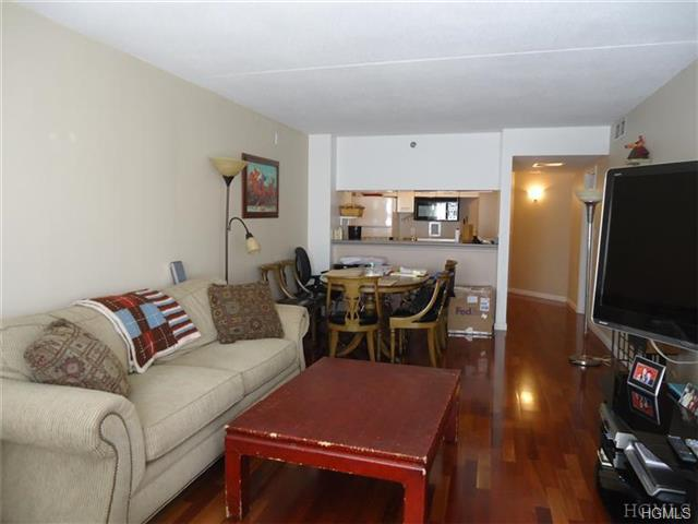 Rental Homes for Rent, ListingId:30406225, location: 4 Martine Avenue White Plains 10606