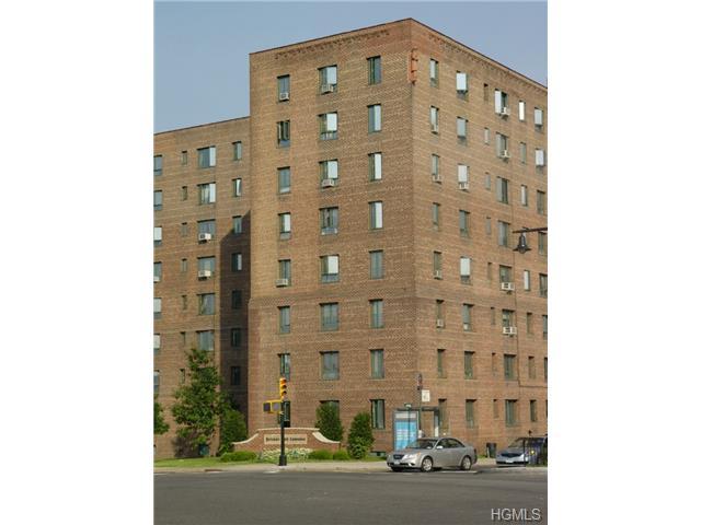 Rental Homes for Rent, ListingId:30406266, location: 1598 Unionport Road Bronx 10462