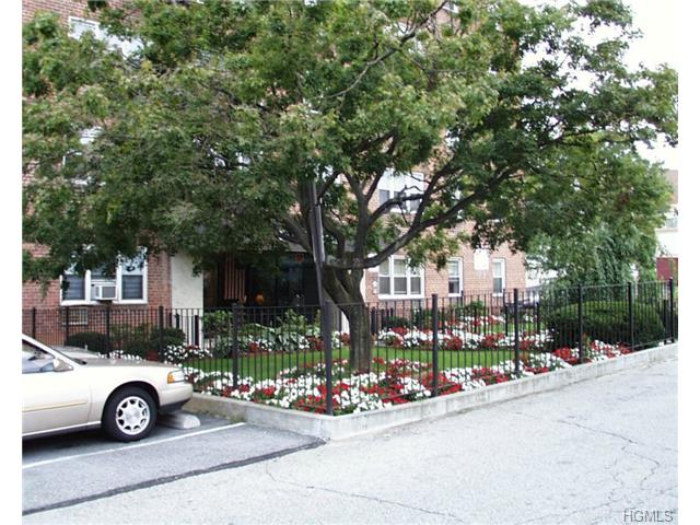 Rental Homes for Rent, ListingId:30528773, location: 52 Yonkers Terrace Yonkers 10704