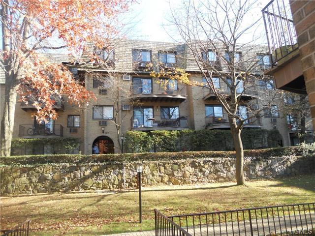 Rental Homes for Rent, ListingId:30602614, location: 500 Central Park Avenue Scarsdale 10583