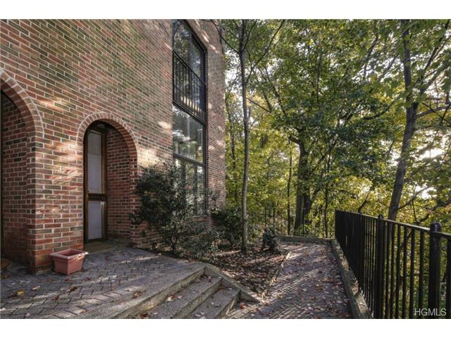 Rental Homes for Rent, ListingId:30645838, location: 31 Gramatan Court Bronxville 10708