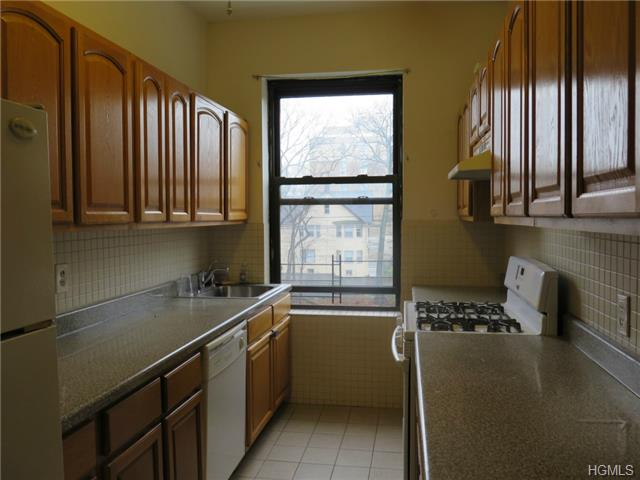 Rental Homes for Rent, ListingId:30913348, location: 36 Echo Avenue New Rochelle 10801